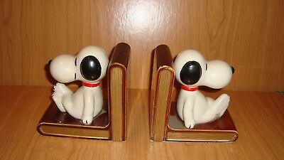 Snoopy Book Ends - porcelain w/ felt bottom - unmarked - mint condition