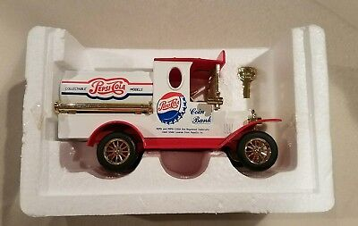 1998 Pepsi-Cola Delivery Truck Coin Bank Die Cast Limited Edition Collectible