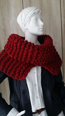 LOOP Cape Poncho Chunky Knit ROT Stricken Anleitung Winter Rot Merino Lang Yarns