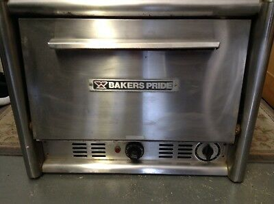 Bakers Pride MO2T Countertop Pizza Oven