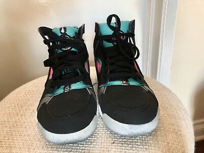 5a363f0237 womens limited edition nike huarache sneaker size 7 Great condition!!! ...