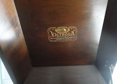 Antique Wood VICTOR Victrola 1924 Talking Machine Record Player Needs Work