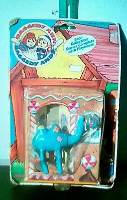 Raggedy ann and andy camel figure