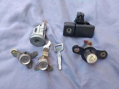 83-88 FITS TOYOTA COROLLA EE80 AE80 AE82 CE80 IGNITION DOOR FUEL TRUNK LID LOCK