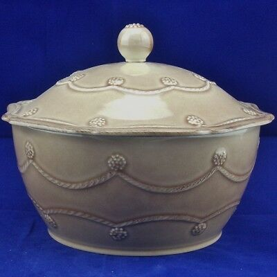 Juliska Berry and Thread Small Round Cappuccino Brown Covered 1.5 Qt Casserole
