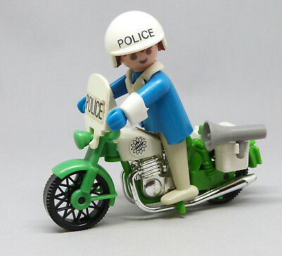 playmobile polizeimotorrad mit polizist wie neu sehr. Black Bedroom Furniture Sets. Home Design Ideas