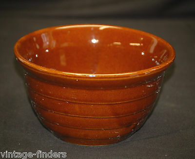 Monmouth Brwn Glazed Beehive Stoneware Pottery Ribbed Mixing Bowl Maple Leaf USA