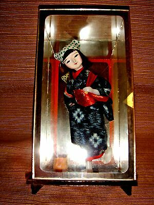 VINTAGE CHINESE WOMAN GIRL DOLL in Glass & Mirror Case