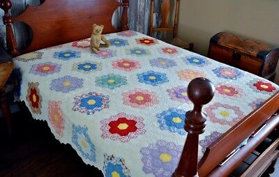 Beautiful Antique Hand Stitched Grandmothers Garden Quilt *