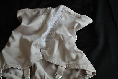 VINTAGE M&S GIRDLE/SHAPEWEAR CREAMY BEIGE&LACE OPEN ENDED SIX SUSPENDERS for TLC