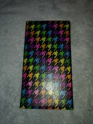 Rainbow Houndstooth Server Book