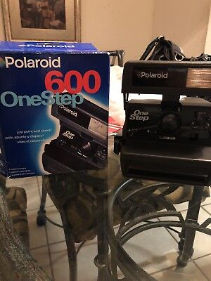 POLAROID One Step Close Up 600 Film Instant Camera FULLY TESTED