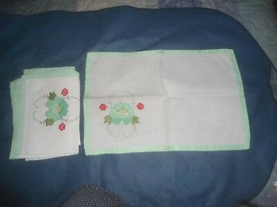 "A Set Of 8 Applique An Embroidered Place Mats  17.75"" X 12.5"""