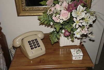 Retro 1980s Telecom Telephone Beige & Brown BEAUTIFUL CONDITION WORKS PERFECTLY