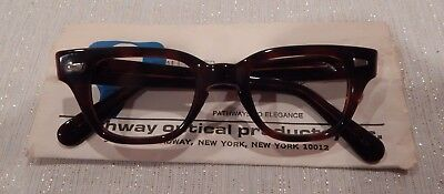 Vintage Pathway Optical Challenger Demi Amber 40/20 Eyeglass Frame New/Old Stock