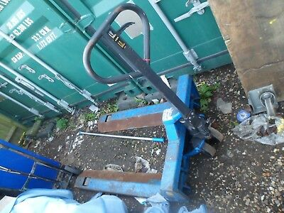 Drum /Roll Carring Pallet Style Lifter