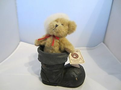 """RARE Boyds """"BOOTS"""" ~ Bear with Santa hat in a Boot ~ QVC Exclusive"""