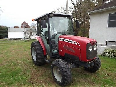 Massey Ferguson 1552 4x4 Diesel Tractor with Enclosed Cab