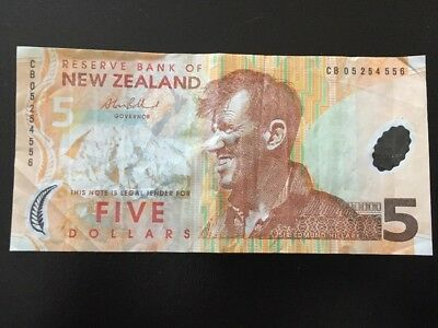New Zealand Banknote Circulated Condition Five Dollars CB05254556