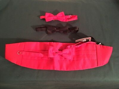 Cumberbund And Bow tie fully adjustable with two additional bow ties