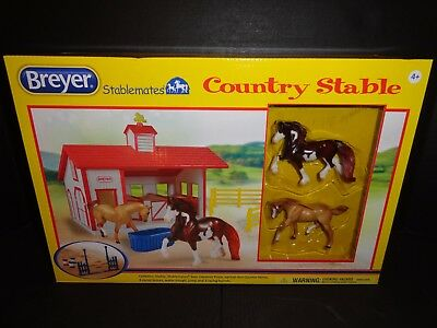 Breyer Stablemates Country Stables With 2 Horses  New
