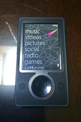 Microsoft Zune Black 30 GB Media Player plus Speaker Dock/AV Dock - VGC