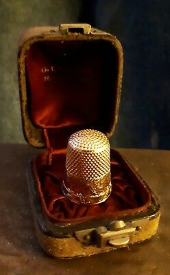 Antique 14k gold thimble in leather case