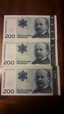 3 consecutive NORWAY 200 Kroner Banknotes World Money UNC Currency Note Bill