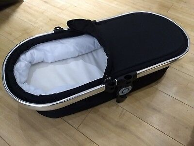iCandy Peach 3 Carrycot - Black Magic 2 HARDLY USED