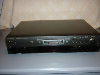 TECHNICS SJ-MD100 Minidisc Recorder Player and 19 Discs