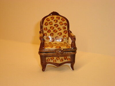 Limoges France Porcelain Trinket Box Peint Main Beige / Brown Chair