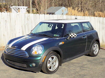 2010 Mini Cooper  Excellent Cond. Great Holiday Present! Ready to Go! 72K. 1 owner,new Mini trade