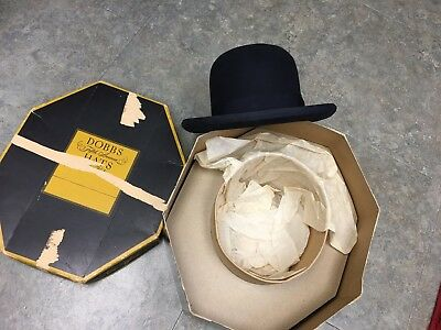 Vintage Bowler type Dalton Hat in Dobbs hat box size 7 1/4 approximately