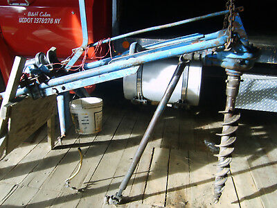 ford 903- 3 point hitch post hole digger