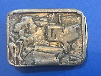 VINTAGE 1980s **CASE/INTERNATIONAL HARVESTER** TRACTOR COMBINE BELT BUCKLE 1985