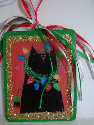 NEW***BLACK CAT PLAYING w/  X-MAS LIGHTS~SPARKLE GLITTER CHRISTMAS WOOD ORNAMENT