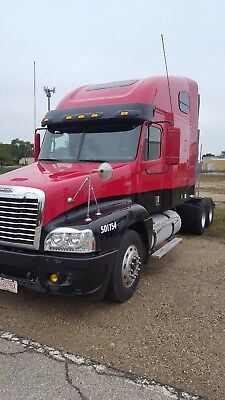 2007 Freightliner Century Loaded Low Miles APU Michelin Tires Long Range Tanks !