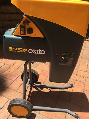 Ozito Electric Garden Shredder Mulcher Wood Chipper