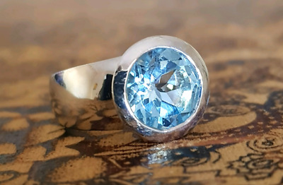 Divine Blue Topaz Ring, Size 7 US, 925 Sterling Silver, Genuine ♡