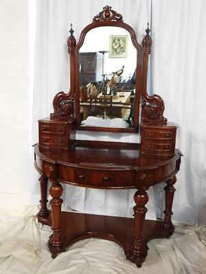 A STUNNING 19thC ANTIQUE MAHOGANY DUCHESS DRESSING TABLE