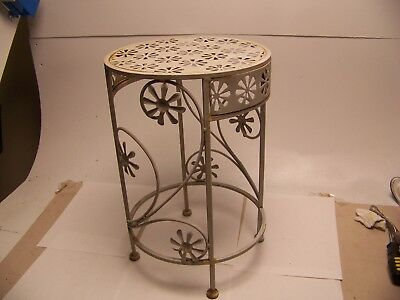 VINTAGE  FLORAL DESIGN METAL PLANT STAND round table cute 16 1/2 tall x 11