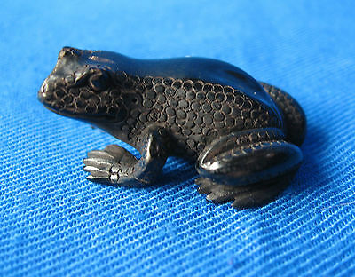 Small Hand Carved Horn Frog Figurine ~ NEW