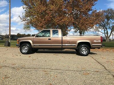 1994 Chevrolet C/K Pickup 2500 Silverado 1994 CHEVROLET K2500 SUPER-CAB 4X4 5.7L 350 V/8 WITH ONLY 73.000 ACTUAL MILES
