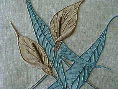 GORGEOUS Vtg MARGHAB Linen Guest Towel Calla Lily FINEST MADEIRA PRISTINE