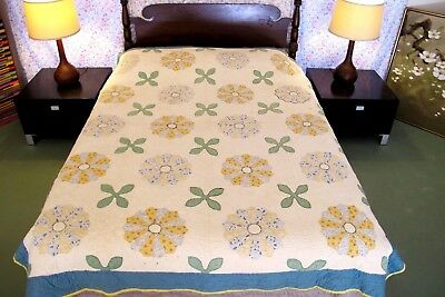 FULL Vintage Feed Sack Hand Sewn APPLIQUE DRESDEN PLATE Thick Heavy QUILT, Nice!
