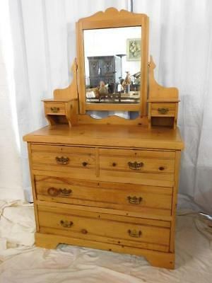 A GOOD 19th CENTURY ANTIQUE PINE DRESSING TABLE CHEST