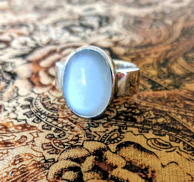 White Chalcedony Gemstone Ring, size 8 1/2 US, Sterling Silver ♡