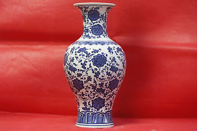 chinese Jingdezhen Blue and white porcelain sculpture flower vase X33