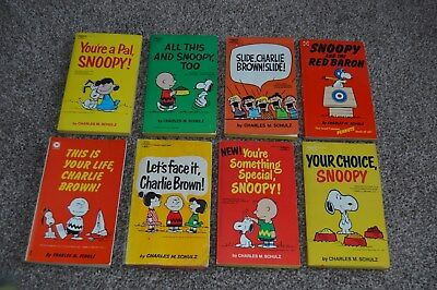 collection of 8 vintage charlie brown books 60's 70's collectable books shulz