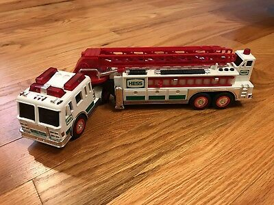 2000 Hess Truck Fire Truck with Lights and Sirens